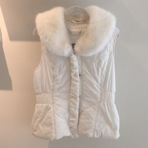 White fur collared vest